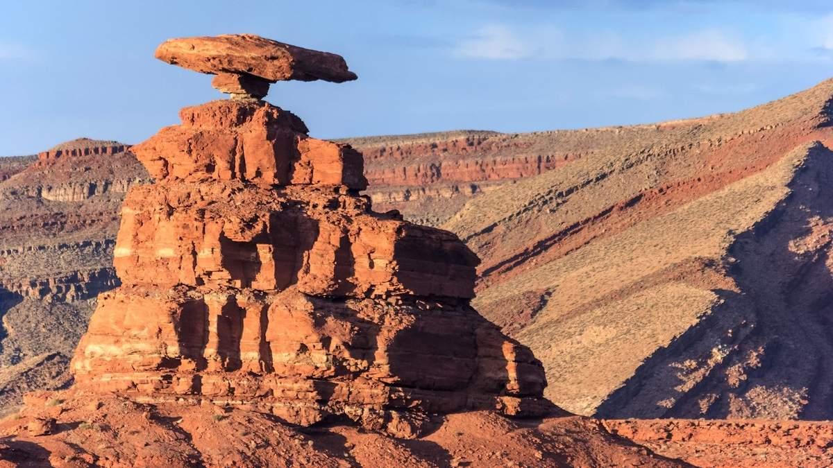 Красивые балансирующие скалы