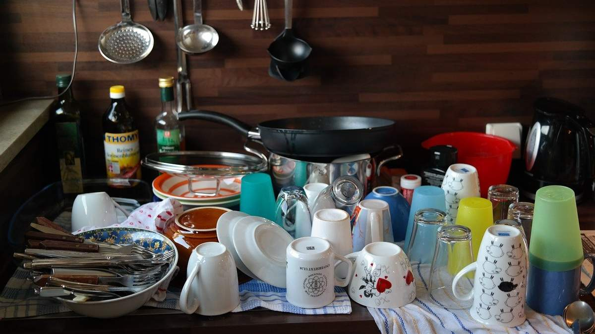 Як користуватись посудом, не забруднюючи його: ідеальний трюк