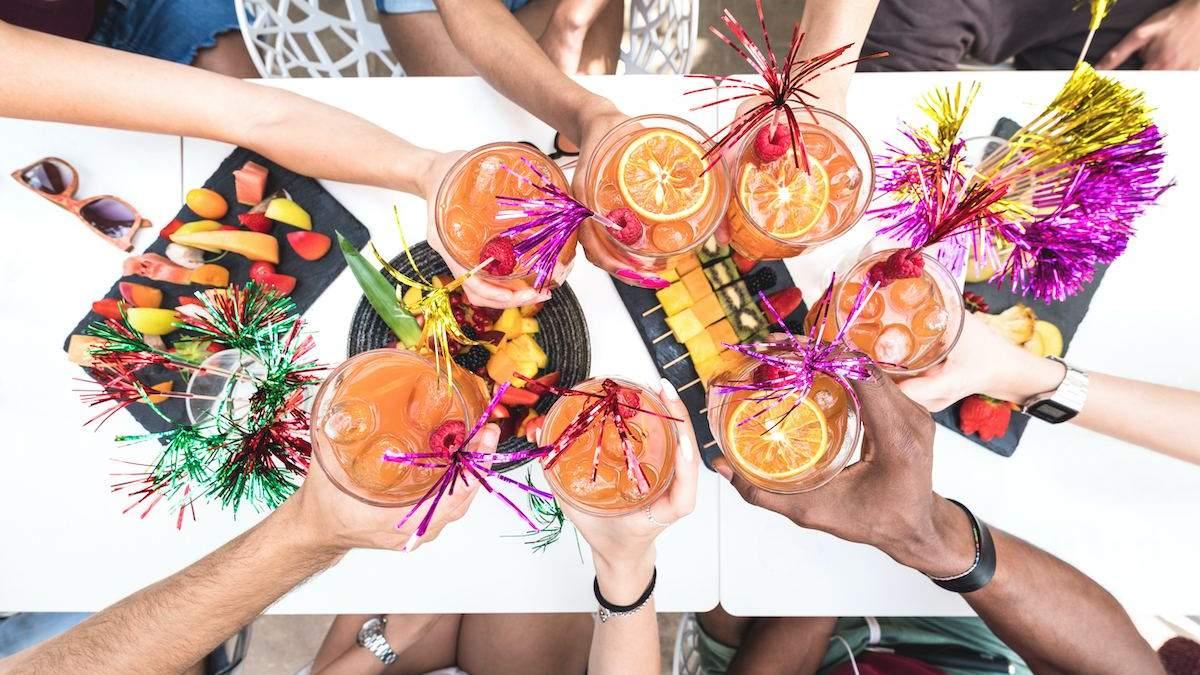 Незабутня літня вечірка вдома: 10 порад, як організувати