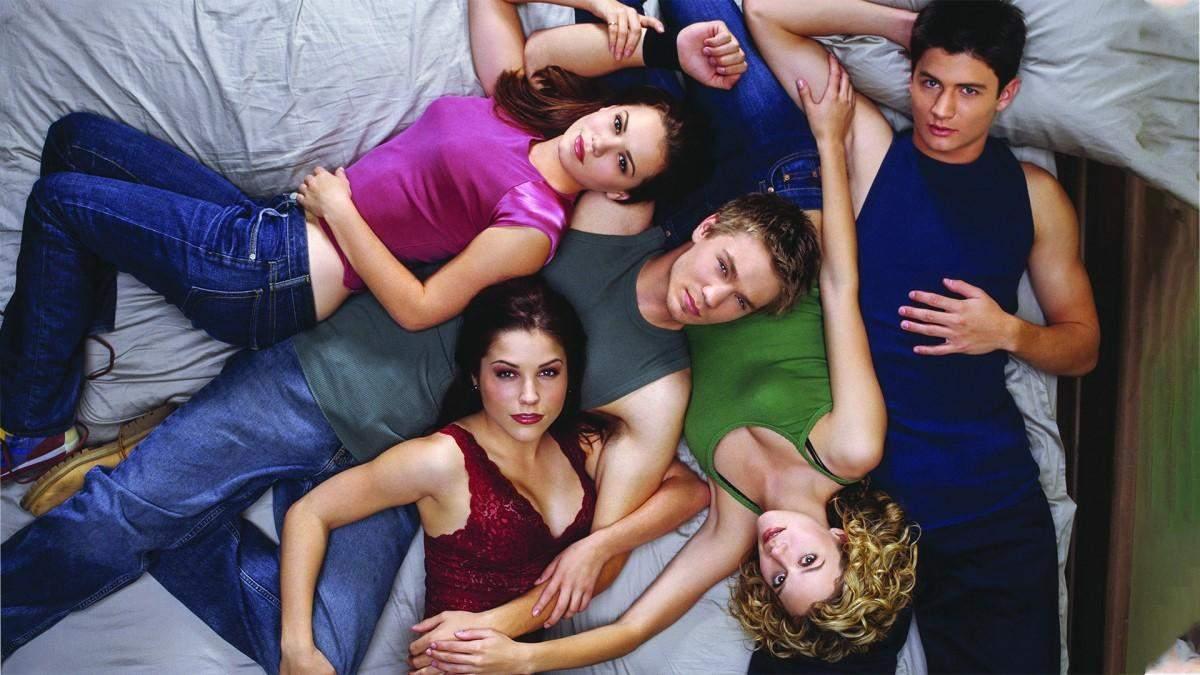 Найпопулярніші серіали 2000-их, від яких всі шаленіли