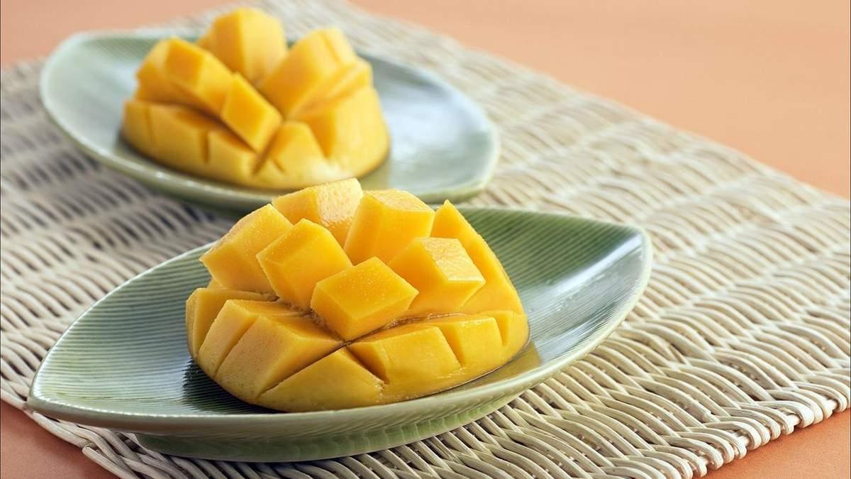 Як приготувати салат з манго та курки: рецепт від фітнес-тренерки