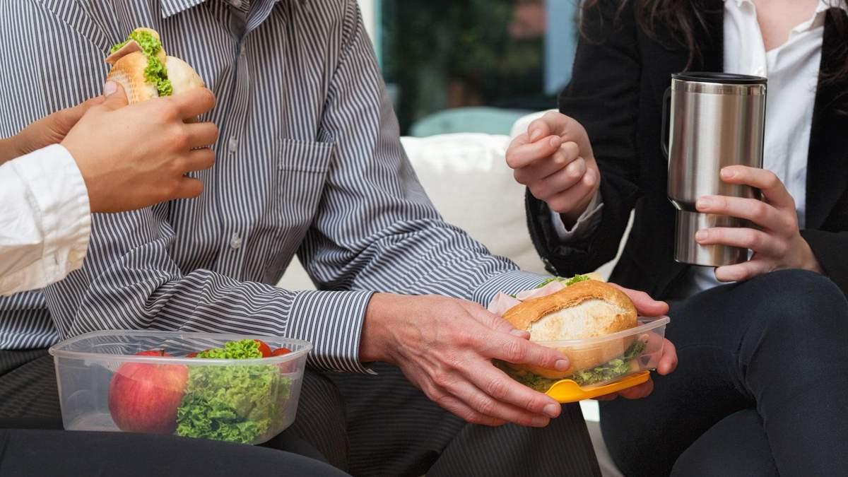 Що відбувається з організмом, якщо їсти з пластикових контейнерів - Ідеї