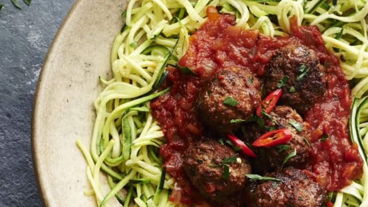 Як приготувати спагеті з цукіні за 10 хвилин: швидкий рецепт