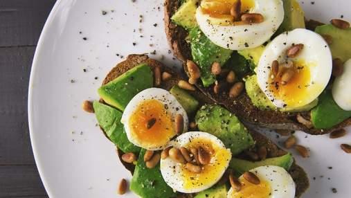 Що їсти, щоб схуднути: 5 неймовірних сніданків з авокадо – рецепти з відео