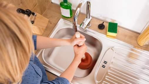 Будьте пильні, миючи посуд: 8 продуктів, які небезпечно скидати до каналізації