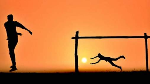 Фотограф робить креативні світлини на заході сонця: захоплива добірка